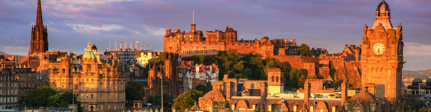 A view of Edinburgh city and the castle
